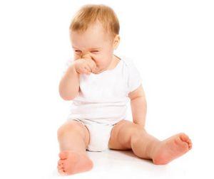 Лечение насморка и боли в горле у детей