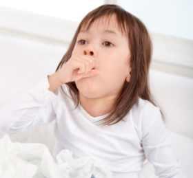 При кашле задыхается ребенок